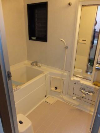 システムバスリフォーム 明るいバスルーム入れ替え 八王子市