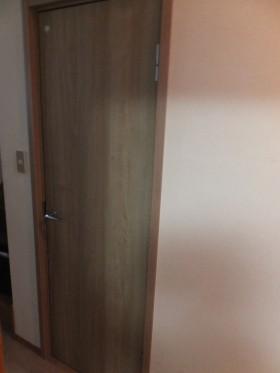 トイレドア交換