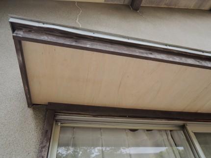 塗装をする前に大工さんに補修