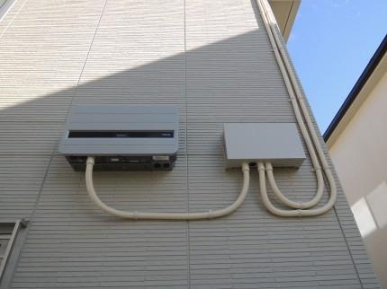 屋外仕様のパワーコンディショナー