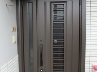 LIXIL 玄関ドア C83型採風タイプ リシェントⅡ オータムブラウンン 施工後