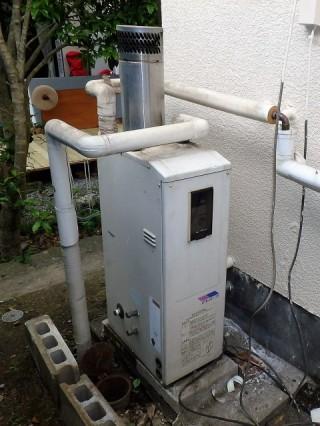 ガス給湯器交換工事 ノーリツ GT-C1652SAWX-2BL-13A 施工前
