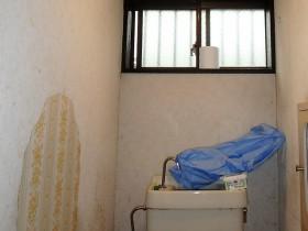 トイレの換気扇新設!