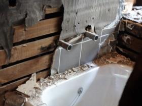 お風呂の解体現場