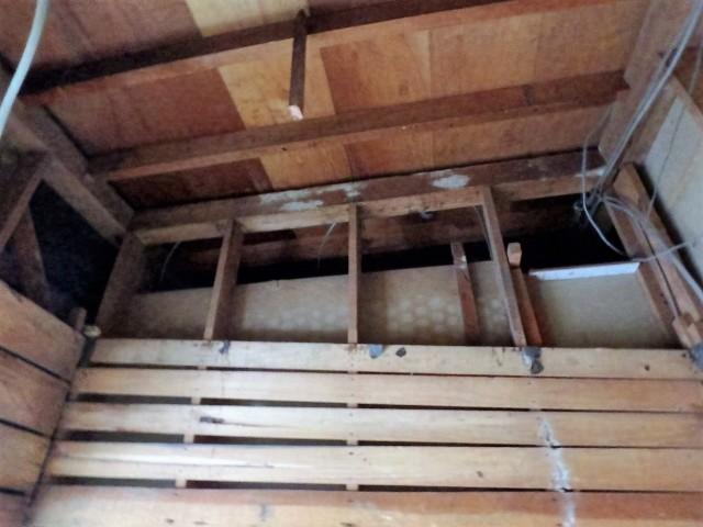 お風呂の解体天井面