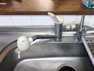 タカギ 蛇口一体型浄水器(台所水栓) JL226MN-NNGR  施工前